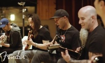 Game Of Thrones:  le thème version guitar hero par Tom Morello, Scott Ian, Nuno Bettencourt