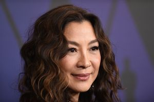 """Last Christmas"":  Michelle Yeoh retrouve Henry Golding après ""Crazy Rich Asians"""