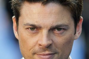 "Karl Urban et Ashley Greene au casting du film d'action ""Snowblind"""