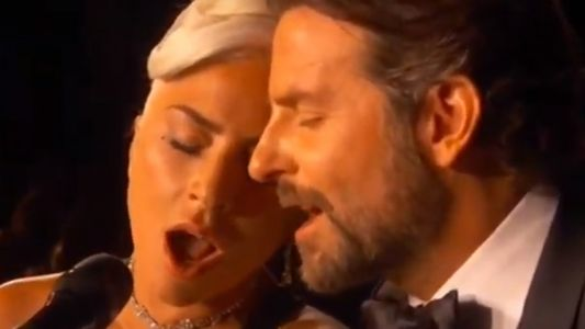 Oscars 2019:  Lady Gaga et Bradley Cooper chantent Shallow de A Star Is Born sur scène