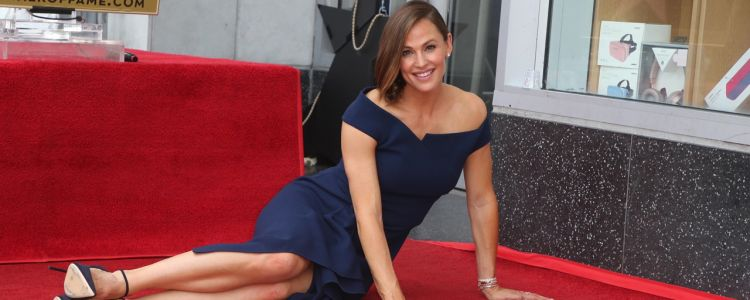 Jennifer Garner radieuse inaugure son étoile sur Hollywood Boulevard