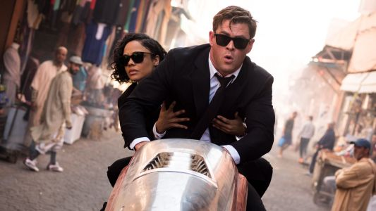 Men in Black International:  Chris Hemsworth, Tessa Thompson et des aliens sur les nouvelles photos du spin-off