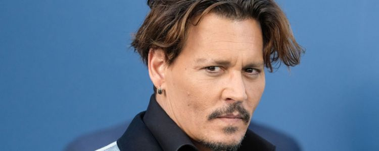 Johnny Depp sort de son silence