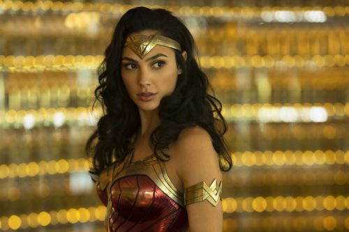 Wonder Woman 1984 : Patty Jenkins rélève un flashback et une potentielle suite