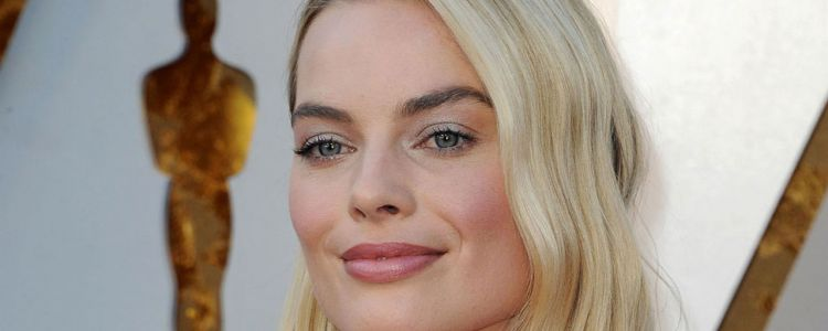 Once Upon A Time In Hollywood:  Margot Robbie plus vraie que nature en Sharon Tate